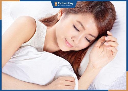 Chế độ nghỉ ngơi sau căng da