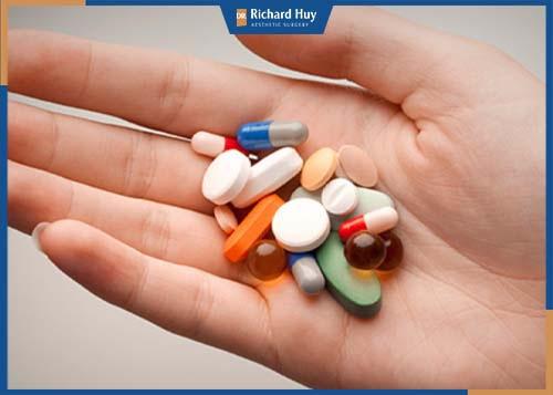 Sử dụng thuốc theo sự chỉ dẫn của bác sĩ