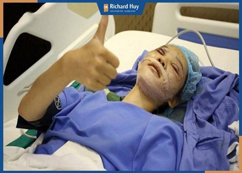 Phan Thị May hoàn toàn tỉnh táo sau ca phẫu thuật