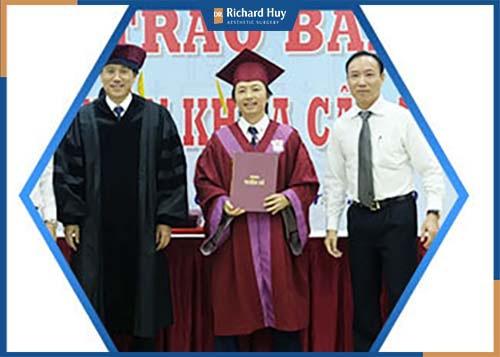 Tiến sĩ Y khoa đại học Y Hà Nội