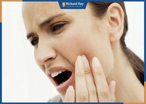 Phẫu thuật chỉnh hàm hô có đau không?