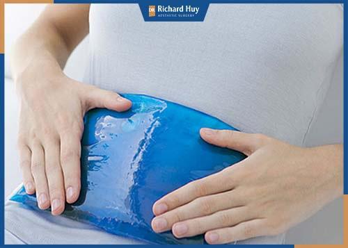 Gel chườm đá giúp giảm đau nhanh chóng