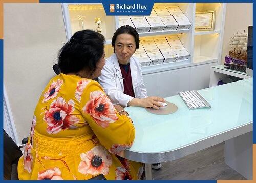 Lời khuyên bác sĩ Richard Huy khi hút mỡ bụng