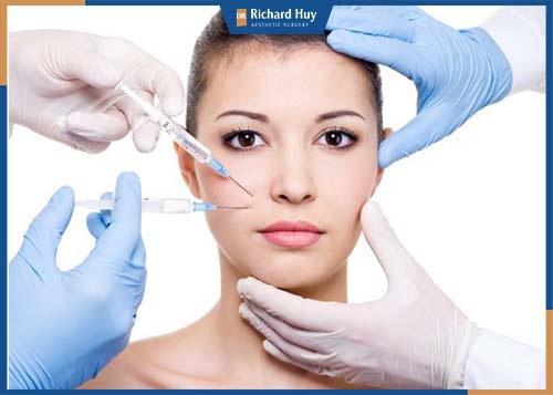 Tiêm botox giải quyết tình trạng co thắt ở các bó cơ, chảy xệ nếp nhăn trên mặt.