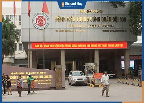 Bệnh viện 108 được thực hiện bởi đội ngũ y bác sĩ đầu ngành của quân đội