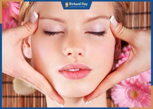 Phương pháp giúp nắn chỉnh xương và các khớp nối từ đó cải thiện cấu trúc trên gương mặt.