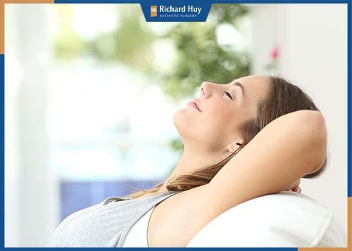 Chú ý ngủ nghỉ, giữ tinh thần thoải mái để hồi phục nhanh chóng.