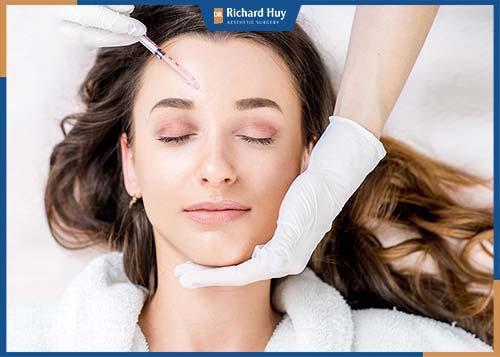 Điểm chung của Botox và Filler này là giúp trẻ hóa làn da, không xâm lấn