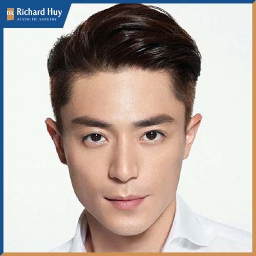 Tổng thể gương mặt sau khi cắt tóc sẽ có cảm giác phần trán được cao hơn hài hòa với gò má góc cạnh