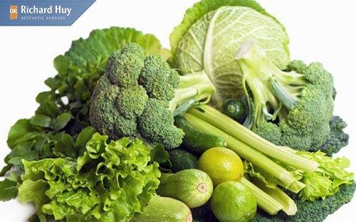 Nên bổ sung thêm nhiều rau xanh