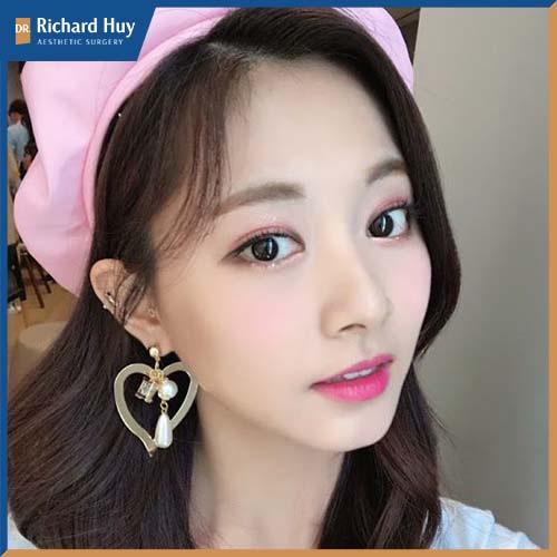 Chu Tử Di còn được góp mặt trong nhiều cuộc bình chọn về nét đẹp của những người nổi tiếng.