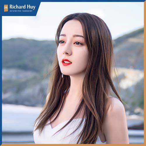 Địch Lê Nhiệt Ba lot top 100 gương mặt đẹp nhất