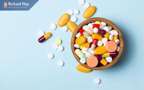 Sử dụng thêm các loại thuốc giúp giảm sưng
