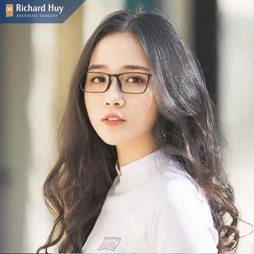 con gái có gò ám cao không nên đeo kính bản nhỏ, hẹp