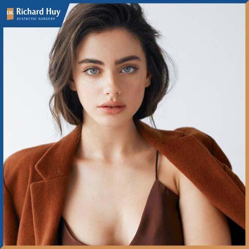 Cô gái Yael Shelbia có gương mặt đẹp tựa thiên thần