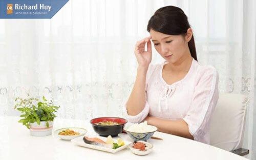Móm răng còn ảnh hưởng tới ăn nhai