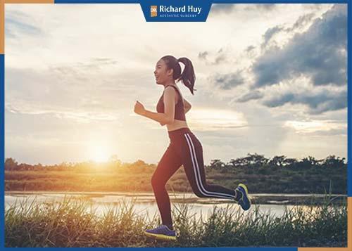 Tập thể dục giúp cơ thể trở nên khỏe mạnh, hỗ trợ rất nhiều trong quá trình giảm cân.