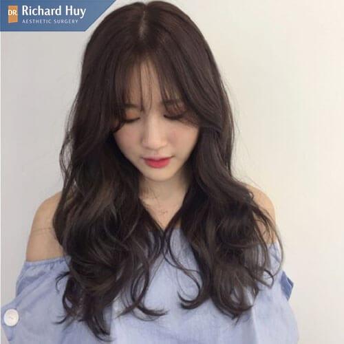 Tóc mái dài 2 bên uốn xoăn sóng