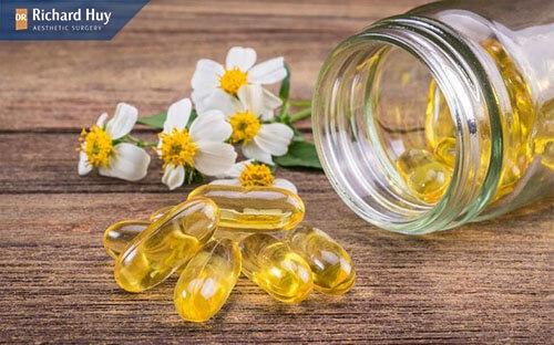 Vitamin E được biết đến là chất làm mềm và dưỡng ẩm cho da nhanh chóng