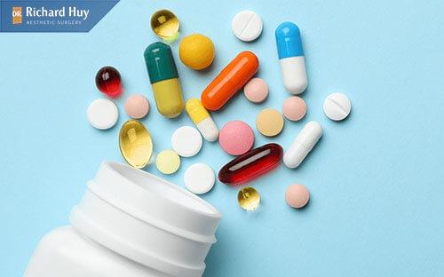 Có thể uống thêm thuốc kháng sinh để tránh viêm sưng theo chỉ định của bác sĩ