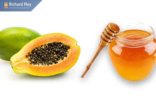 Kết hợp đu đủ và mật ong làm mặt nạ trị nếp nhăn ở miệng