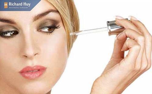 Sử dụng serum thu nhỏ đầu mũi