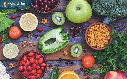 Bổ sung các thực phẩm có chứa nhiều Vitamin và khoáng chất tránh da tay bị khô