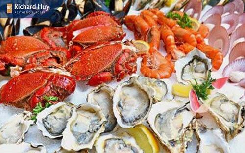 Kiêng hải san vì hải sản quá nhiều chất đạm