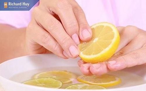 Vitamin C và axit citric có tác dụng loại bỏ phần da khô, da chết rất hiệu quả