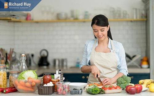 Cung cấp đủ co cơ thể những chất đạm, chất xơ, chất béo và tinh bột.