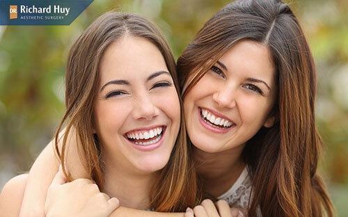 Nếp nhăn khi cười