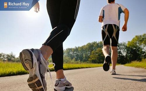 Sau khi nâng mũi nên kiêng tập thể dục, hoạt động mạnh làm ảnh hưởng tới dáng mũi