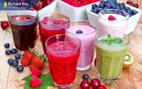 Thay vì ăn hoa quả cứng bạn có thể dùng chúng là sinh tố