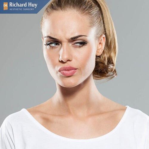 Tiêm botox còn gây đau và sưng